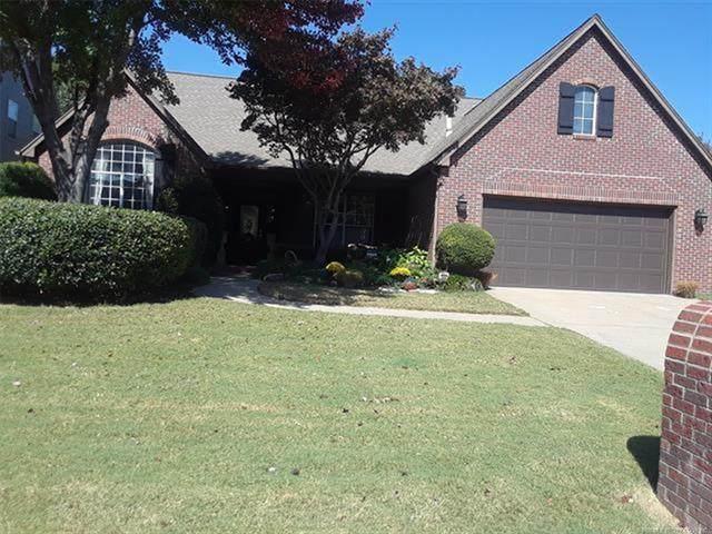 8517 E 95th Place, Tulsa, OK 74133 (MLS #2036496) :: Hometown Home & Ranch