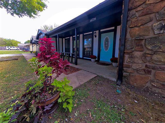 16720 E Newton Street, Tulsa, OK 74116 (MLS #2036964) :: 918HomeTeam - KW Realty Preferred