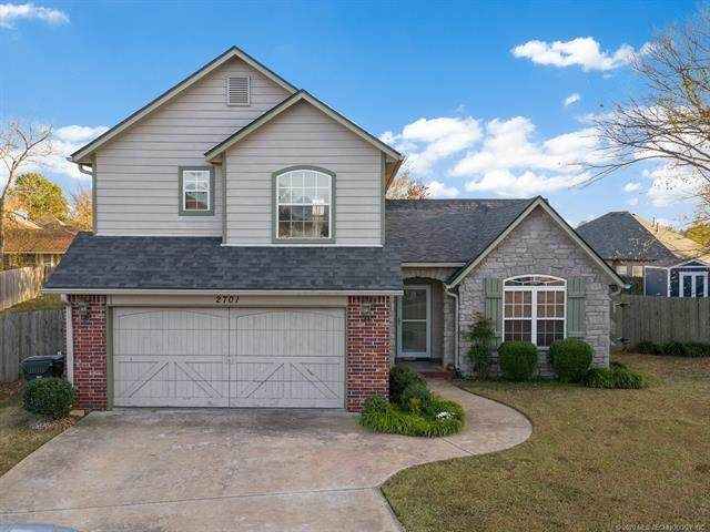 2701 Highwood Drive, Claremore, OK 74017 (MLS #2039036) :: Hometown Home & Ranch