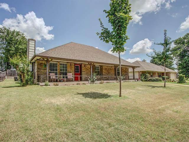 3843 E 51st Place, Tulsa, OK 74135 (MLS #2122505) :: 918HomeTeam - KW Realty Preferred
