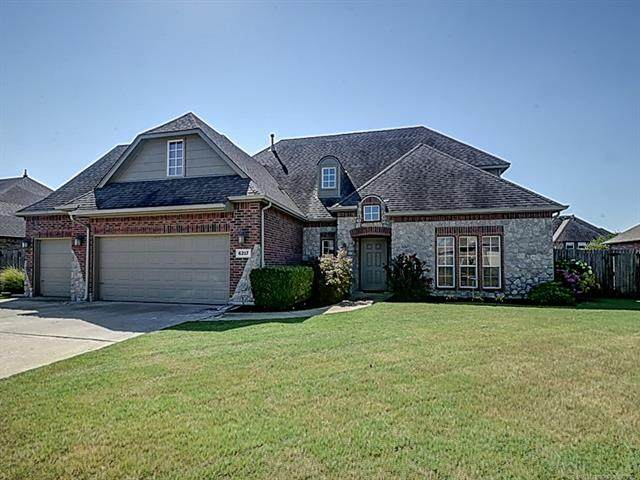 6217 Sawgrass Place, Bartlesville, OK 74006 (MLS #2125836) :: Owasso Homes and Lifestyle