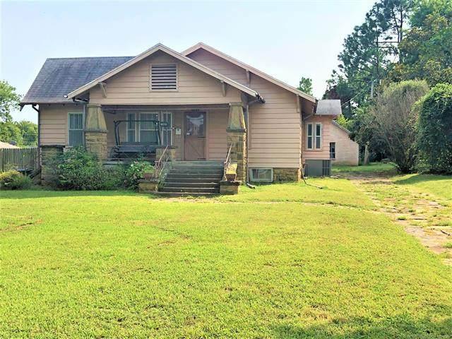 1920 E 9th Street, Okmulgee, OK 74447 (#2131332) :: Homes By Lainie Real Estate Group