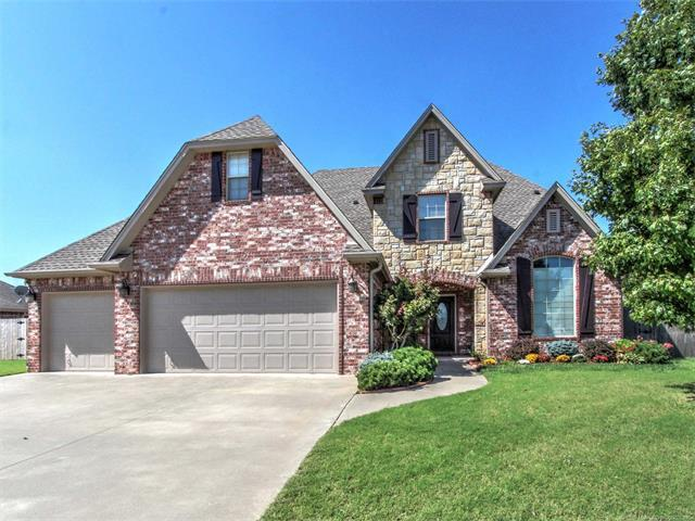 217 Homestead Drive, Bartlesville, OK 74006 (MLS #1736540) :: The Boone Hupp Group at Keller Williams Realty Preferred
