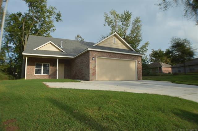 619 S Atoka Street, Coweta, OK 74429 (MLS #1816863) :: Hopper Group at RE/MAX Results