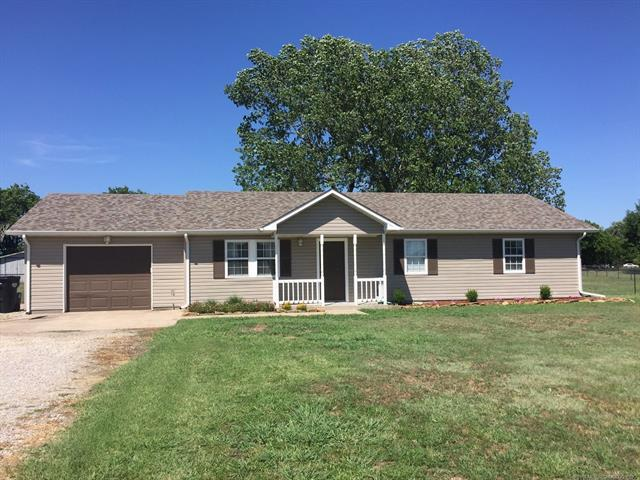 878 E Will Rogers Drive, Oologah, OK 74053 (MLS #1824289) :: Hopper Group at RE/MAX Results