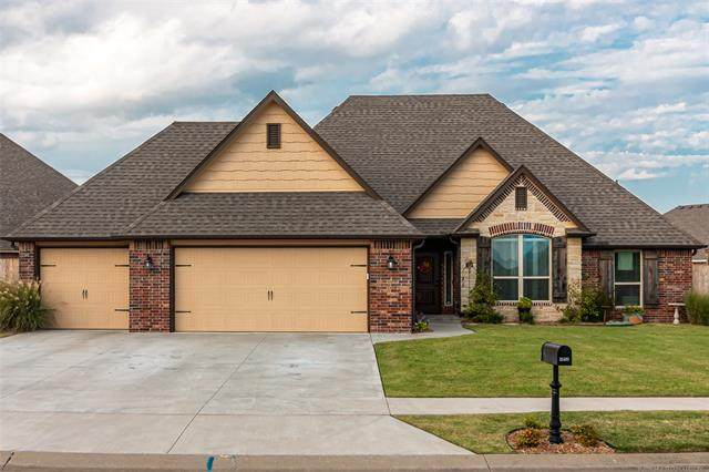 26499 Columbia Crest Drive, Claremore, OK 74019 (MLS #2030591) :: Hopper Group at RE/MAX Results