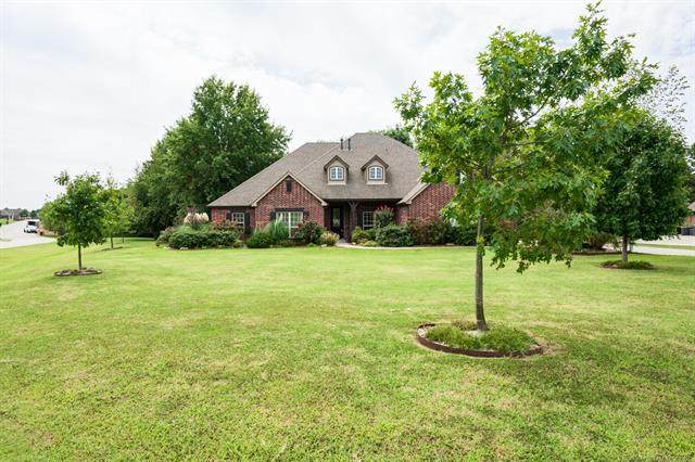 15054 N 148th East Avenue, Collinsville, OK 74021 (MLS #2033861) :: RE/MAX T-town