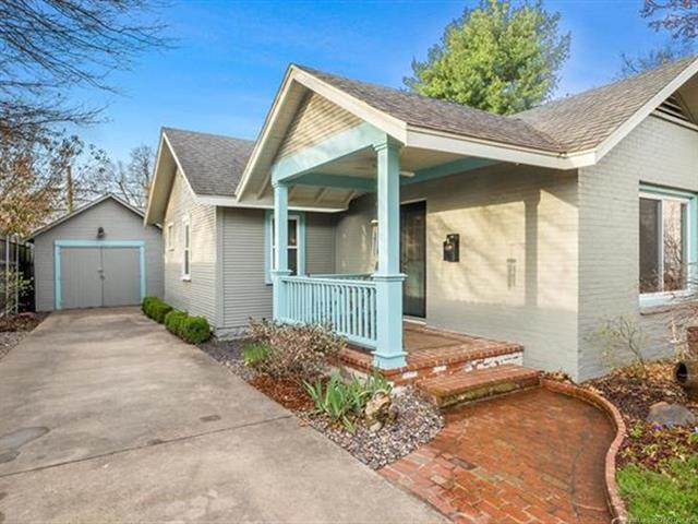 1008 E 33rd Place, Tulsa, OK 74105 (MLS #2108113) :: RE/MAX T-town
