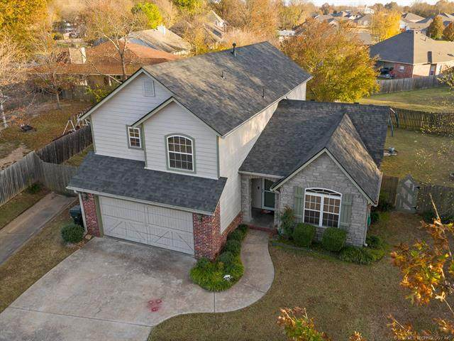2701 Highwood Drive, Claremore, OK 74017 (MLS #2039036) :: Hopper Group at RE/MAX Results