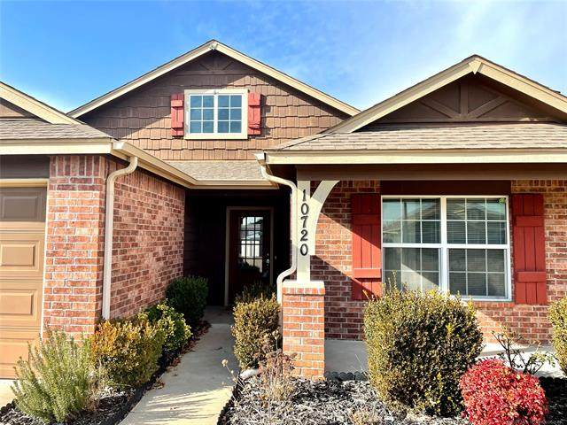 10720 N 153rd East Avenue, Owasso, OK 74055 (MLS #2040883) :: Hopper Group at RE/MAX Results