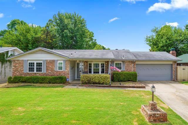 132 E 56th Place, Tulsa, OK 74105 (MLS #2129708) :: Owasso Homes and Lifestyle