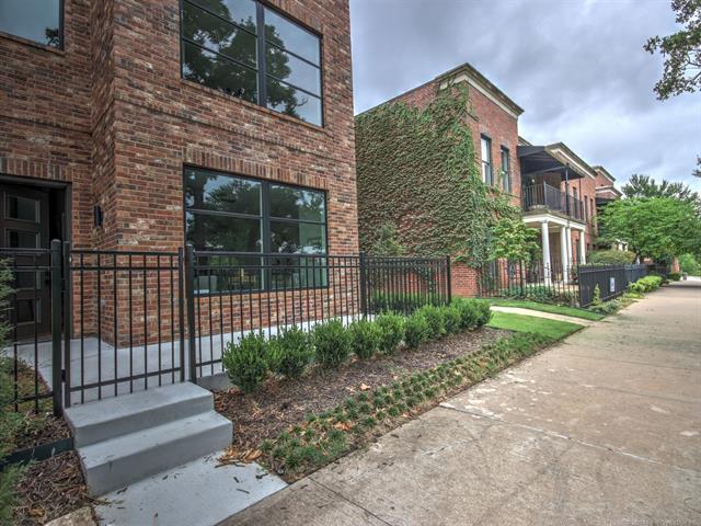 1141 E 7th Street #1141, Tulsa, OK 74120 (MLS #1842283) :: Hopper Group at RE/MAX Results