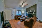 2734 Colonial Drive - Photo 2