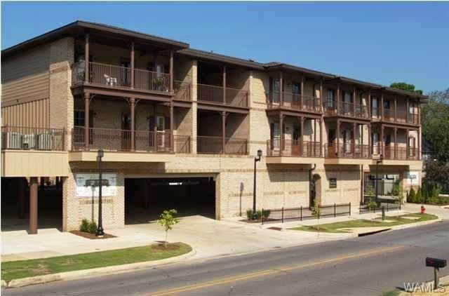 820 Frank Thomas Avenue #105, TUSCALOOSA, AL 35401 (MLS #131083) :: The Alice Maxwell Team