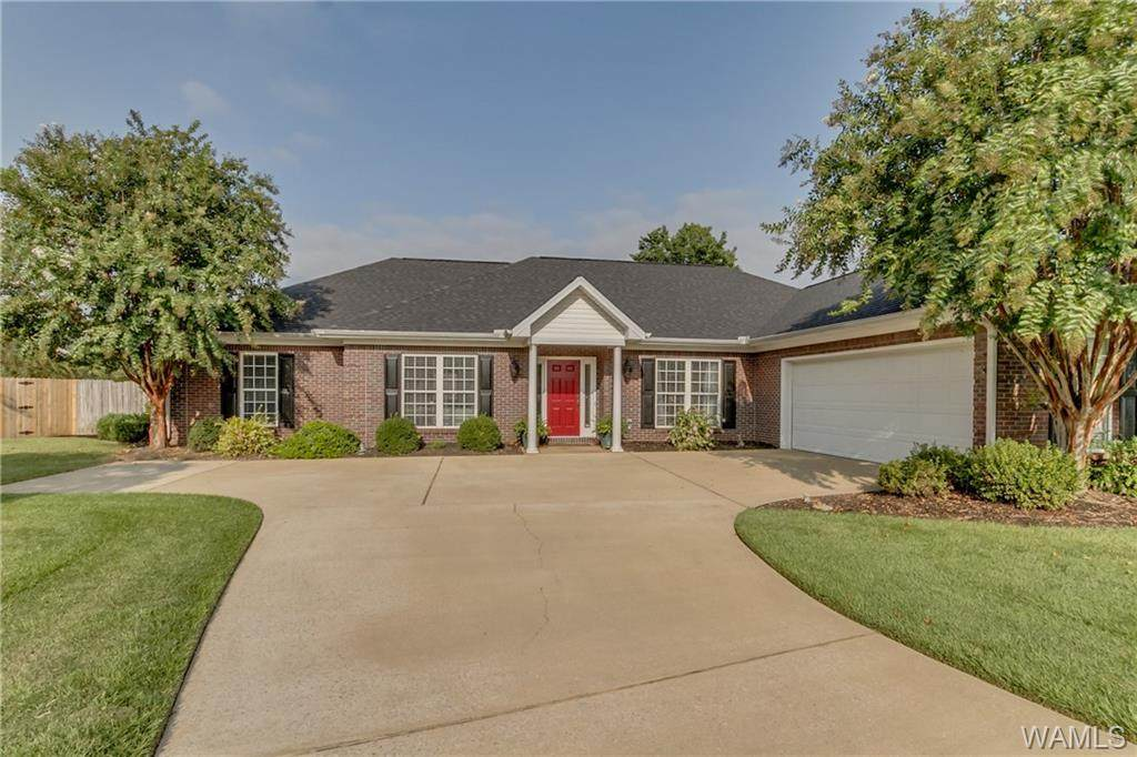 8779 Inverness Place - Photo 1
