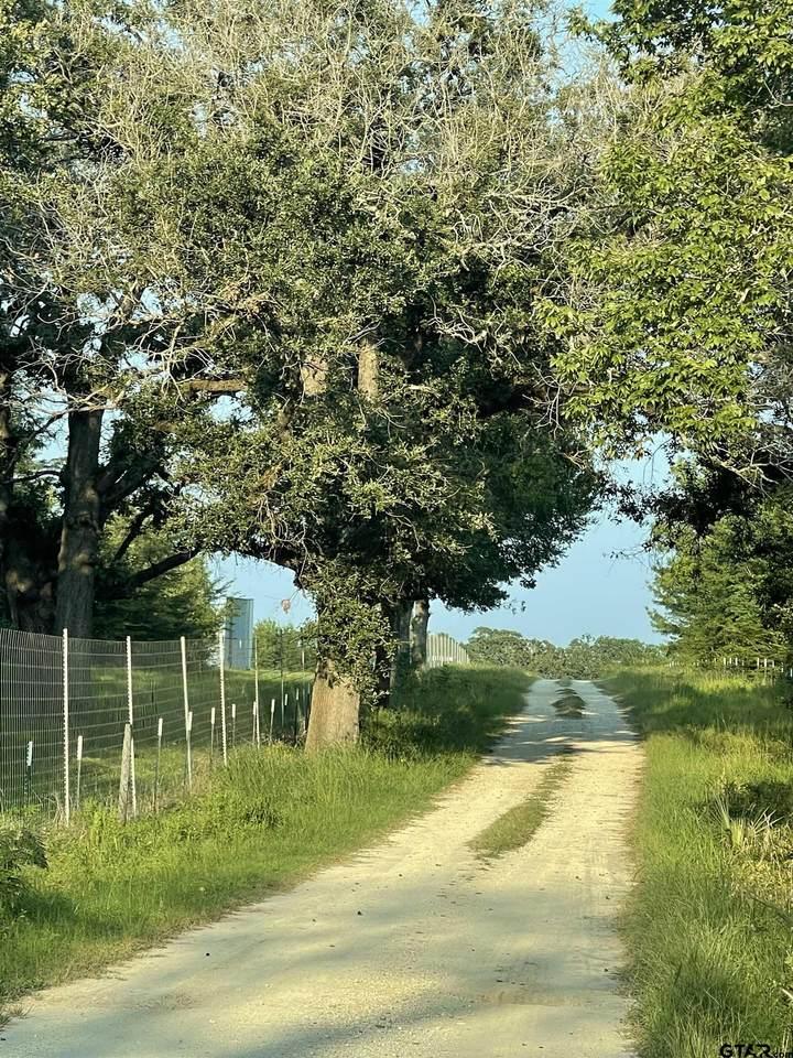 145 Private Road 6904 - Photo 1