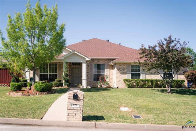 924 Pam Dr., Tyler, TX 75703 (MLS #10093382) :: RE/MAX Professionals - The Burks Team