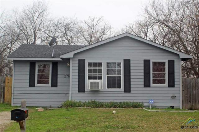 911 N 6th Street, Wills Point, TX 75169 (MLS #10105983) :: The Wampler Wolf Team