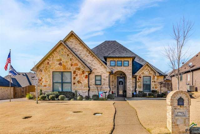 1703 Riviera, Longview, TX 75605 (MLS #10130549) :: The Edwards Team Realtors