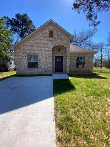 303 Maple Ave, Gladewater, TX 75647 (MLS #10131918) :: The Wampler Wolf Team