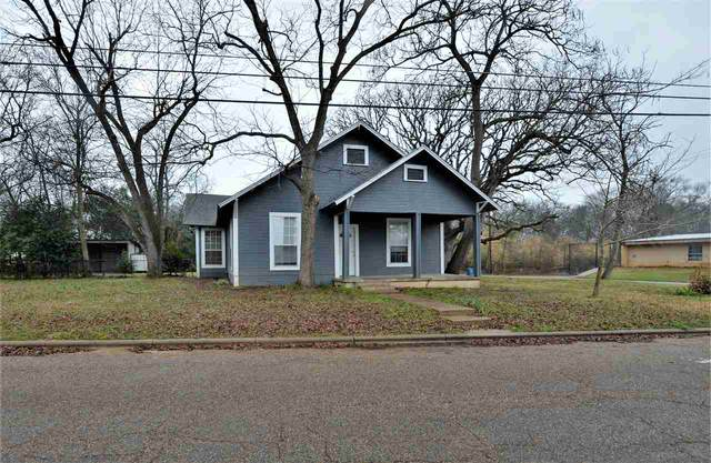 115 Bluff St, Hawkins, TX 75765 (MLS #10132015) :: RE/MAX Professionals - The Burks Team