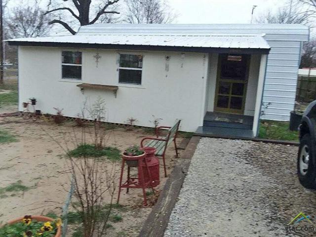 130 Pilsbury, Quitman, TX 75783 (MLS #10086808) :: The Wampler Wolf Team