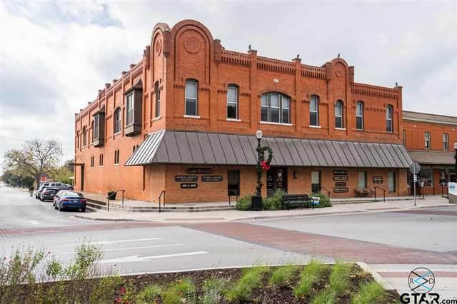 201 W Mulberry Street, Kaufman, TX 75142 (MLS #10129002) :: The Edwards Team Realtors