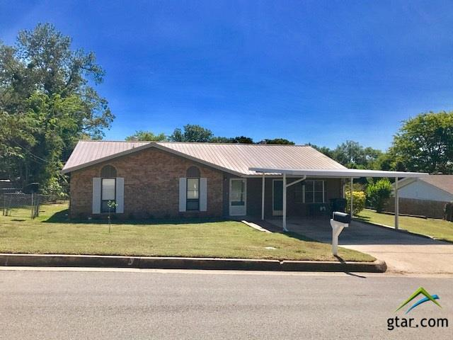 1516 Bowie Drive, Tyler, TX 75701 (MLS #10087172) :: RE/MAX Professionals - The Burks Team