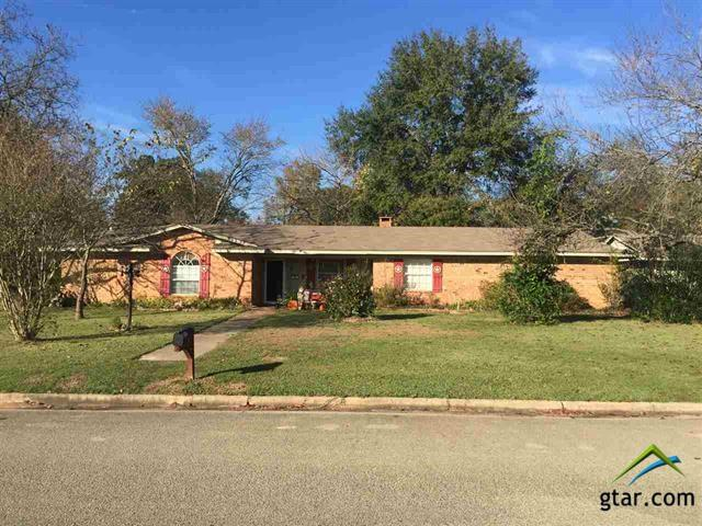 105 Oasis, Gilmer, TX 75645 (MLS #10088412) :: RE/MAX Professionals - The Burks Team