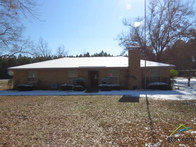 1832 Pleasant Green Road, Longview, TX 75604 (MLS #10090282) :: RE/MAX Professionals - The Burks Team