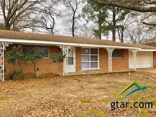 1318 Powers, Tyler, TX 75701 (MLS #10090356) :: RE/MAX Professionals - The Burks Team