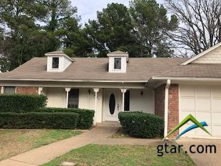 7900 Chancery, Tyler, TX 75703 (MLS #10091761) :: RE/MAX Professionals - The Burks Team