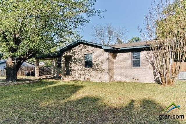 200 Frances, Mineola, TX 75773 (MLS #10093121) :: The Wampler Wolf Team
