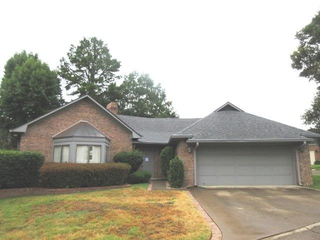 1428 Hollytree Pl, Tyler, TX 75703 (MLS #10099675) :: The Wampler Wolf Team