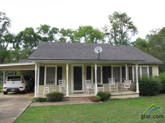106 Magnolia, Henderson, TX 75654 (MLS #10109621) :: RE/MAX Impact