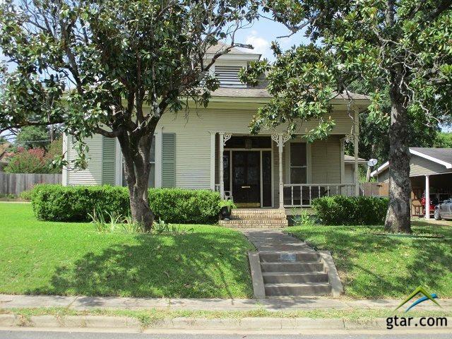 301 E Ragely, Henderson, TX 75654 (MLS #10111976) :: RE/MAX Impact