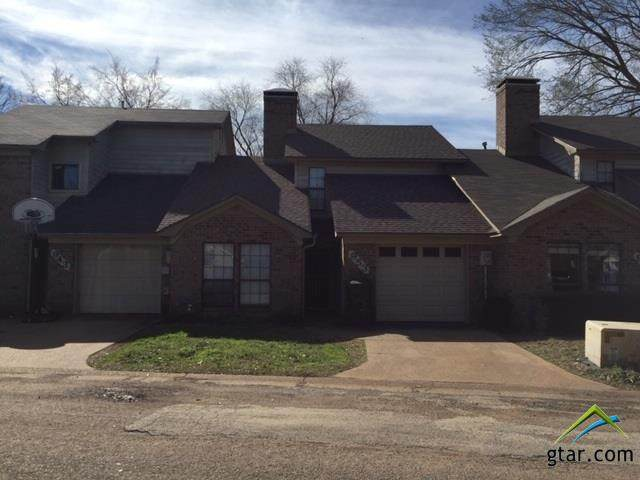 953 Creekside Dr, Tyler, TX 75703 (MLS #10118579) :: RE/MAX Professionals - The Burks Team