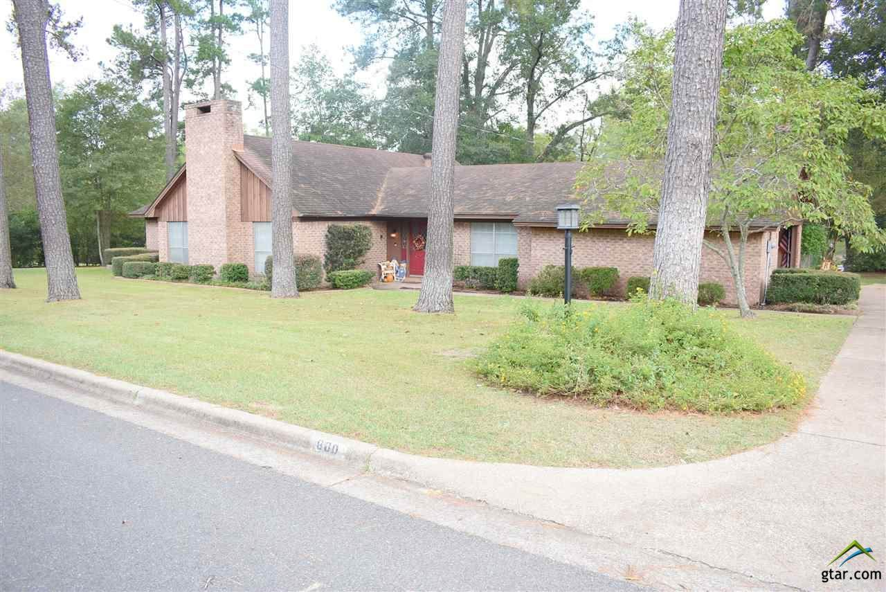 800 Spring Valley Dr - Photo 1