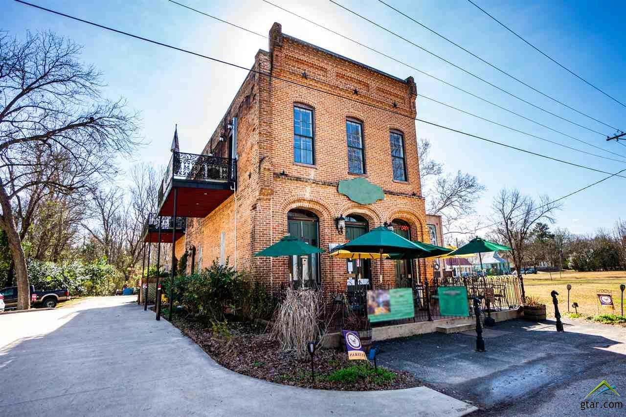 208 Dallas Street - Photo 1