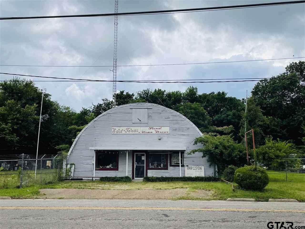 1211 Washington Ave - Photo 1