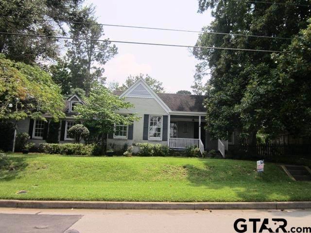 409 E Lake Street, Tyler, TX 75701 (MLS #10138396) :: Wood Real Estate Group