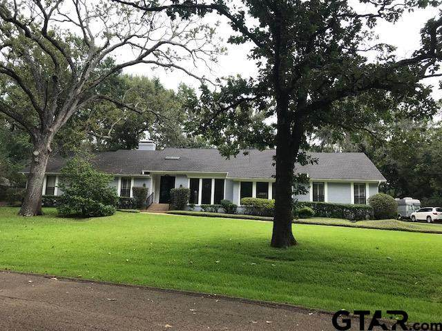 2720 Woodlake Dr, Tyler, TX 75701 (MLS #10138514) :: RE/MAX Professionals - The Burks Team