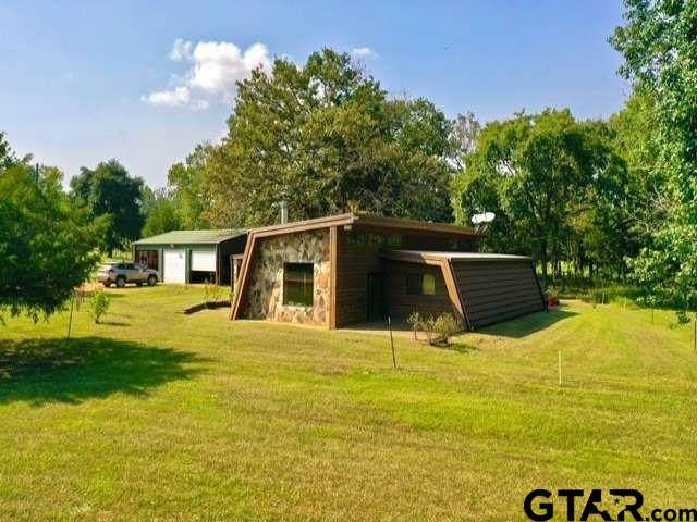 3445 Cr 4701, Troup, TX 75789 (MLS #10140786) :: Griffin Real Estate Group