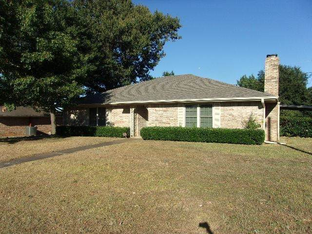 910 Medalist Street, Out Of Area, TX 75462 (MLS #10140796) :: RE/MAX Professionals - The Burks Team
