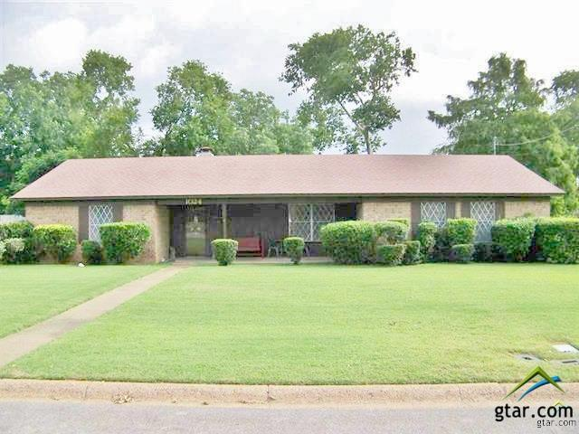 1024 Bryan, Jacksonville, TX 75766 (MLS #10082836) :: RE/MAX Professionals - The Burks Team