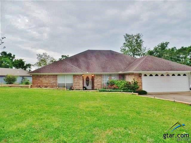 214 Cr 3149, Jacksonville, TX 75766 (MLS #10094396) :: The Wampler Wolf Team