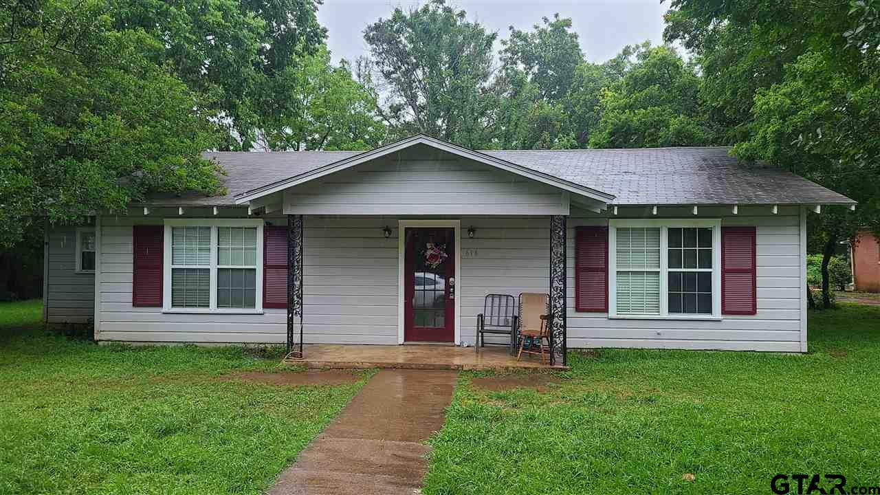 616 S Magnolia St - Photo 1