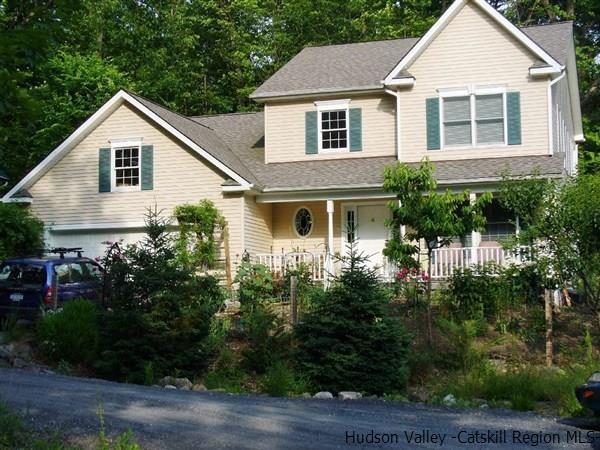 4 Caroline Way, New Paltz, NY 12561 (MLS #20181100) :: Stevens Realty Group