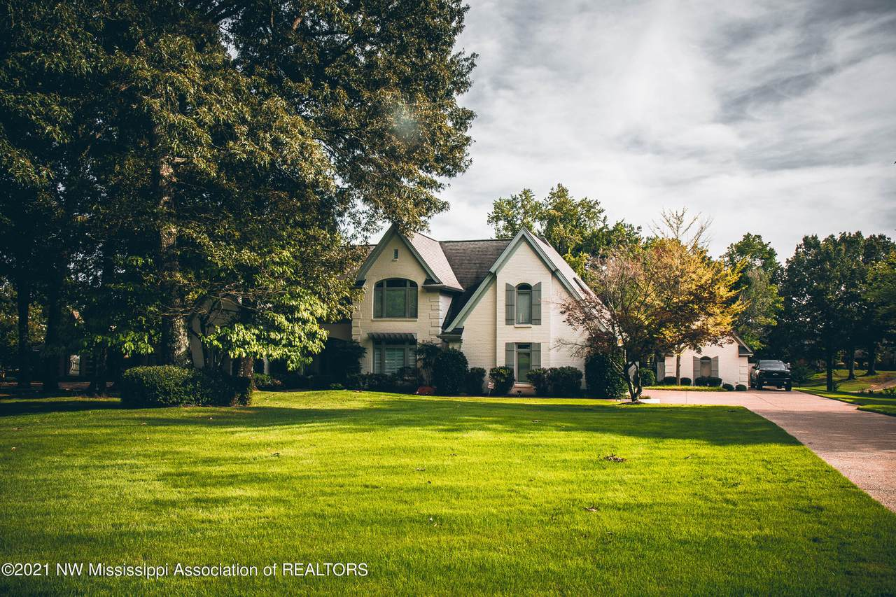 5365 Wedgewood Drive - Photo 1
