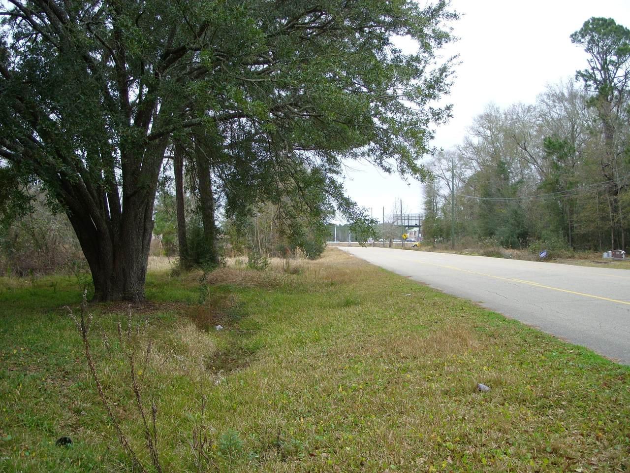 5818 Elder Ferry Road - Photo 1
